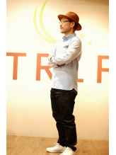 hair lounge TRiP 井上博史